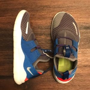 Nike Free Commuter Running Shoes